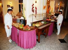 Buffet form style–breakfast is served in buffet-form (cold continental meals and warm dishes).The guests can choose diabetic-, reduction-, vegetarian-, gluten-free-, lactose-free-diet-dishes.